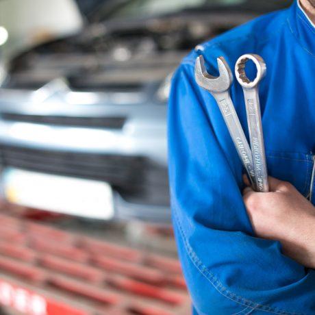 high end car mechanic